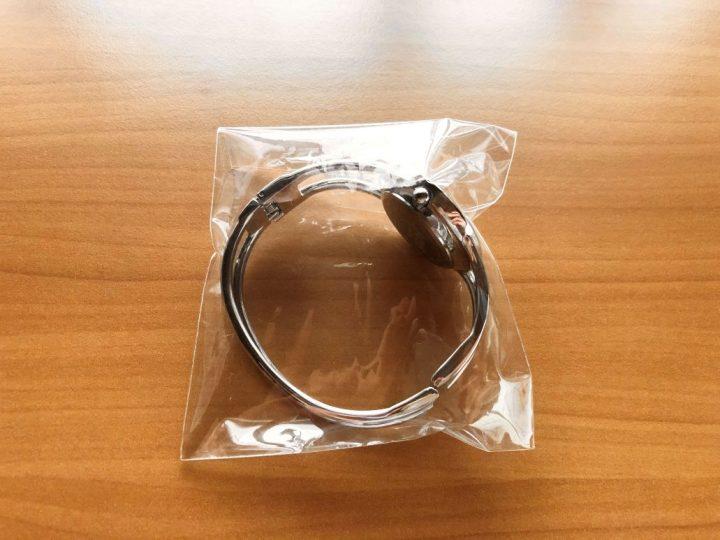 メルカリ ブレスレットを梱包する方法→袋へ入れる